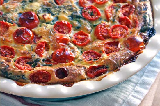 Quiche de espinafre, tomate e queijo feta